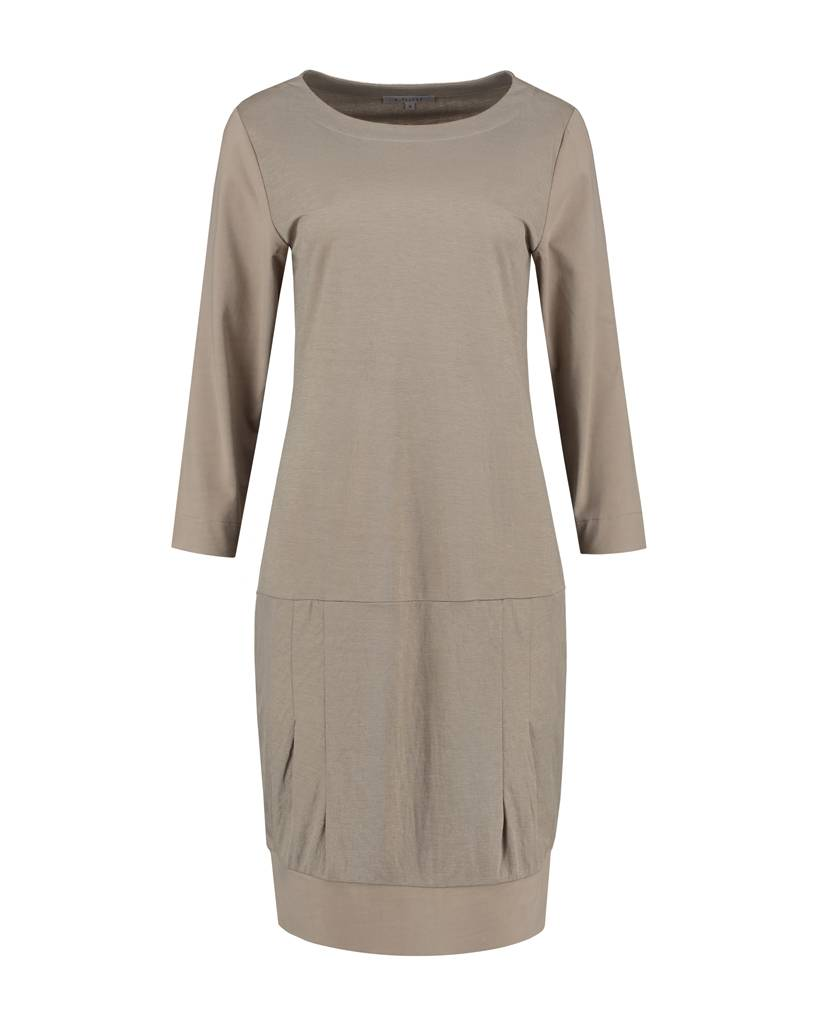 SYLVER Stretch Crêpe Dress - Sand