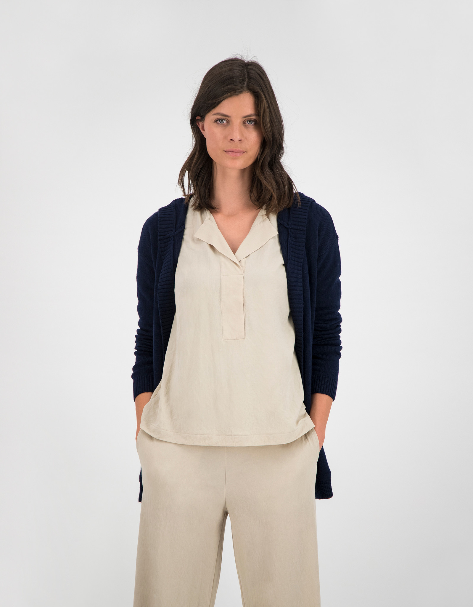 SYLVER Crêpe Stretch Shirt - Oatmeal