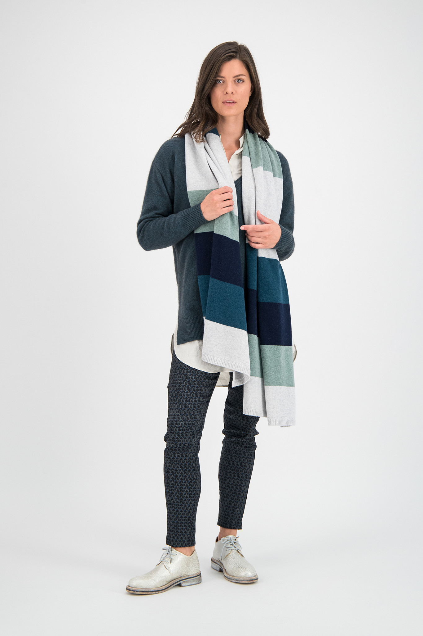 SYLVER Stripe Knit Shawl - Light Grey