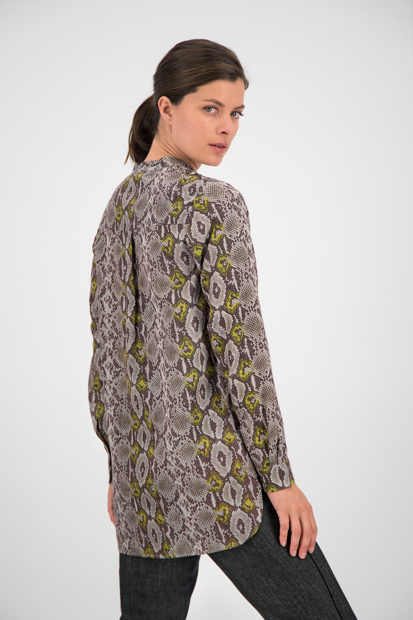 SYLVER Snake Blouse - Light Grey