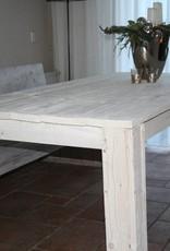 Eettafel van steigerhout in white wash