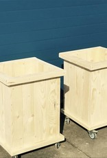 Oost Plantenbak / Bloembak van steigerhout op wieltjes
