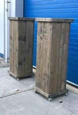 Jussi Verrijdbare Zuil / Pilaar / Sokkel van steigerhout