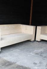 De Hoefslag Loungebank van steigerhout op wielen