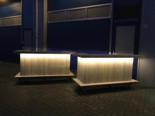 Leonard Bar / Balie / Toonbank op wielen met LED verlichting:  Model Leonard Plus met LED