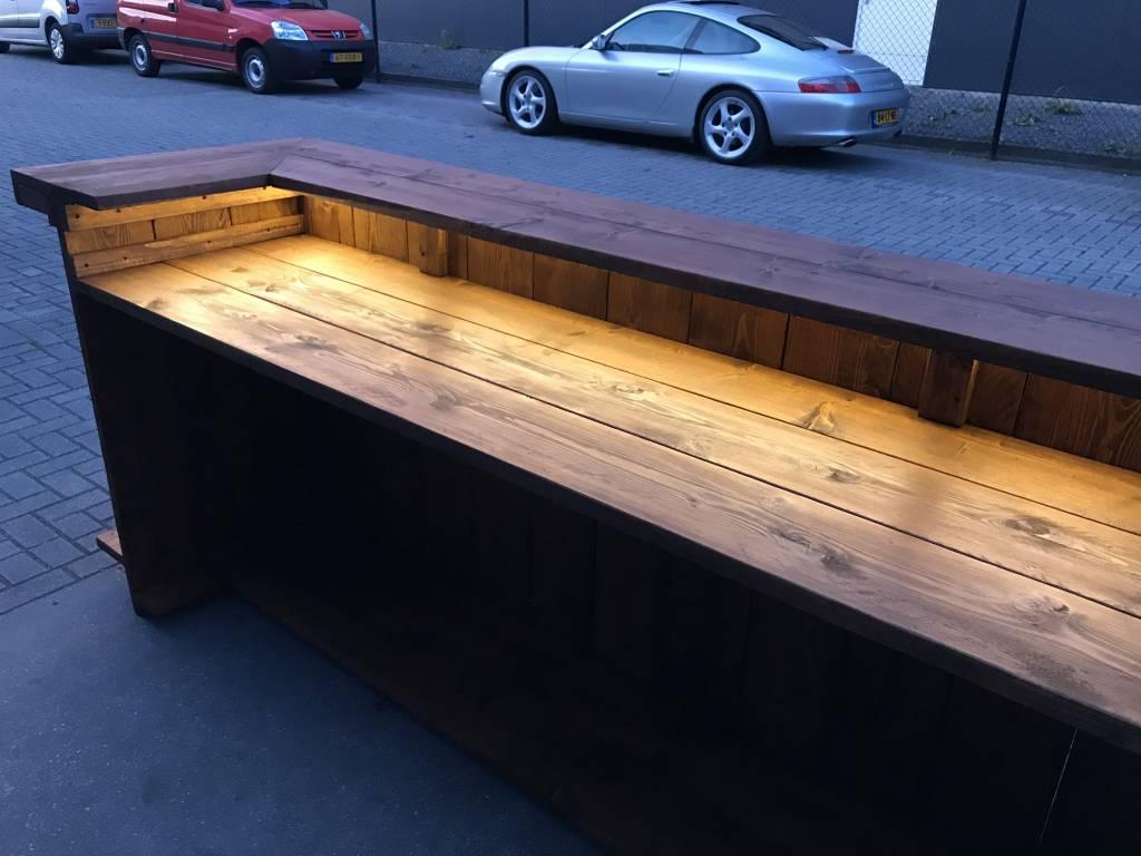 Gerben Bar / Balie van steigerhout met een waterproof LED verlichting