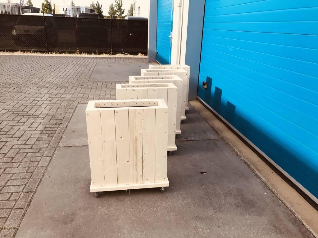Don Plantenbak / Bloembak van steigerhout op wieltjes
