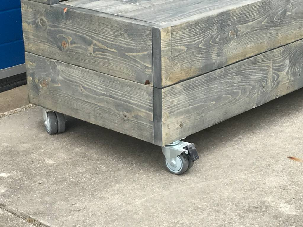 Verrijdbare Klepbank van steigerhout met opbergruimte op wieltjes  - Copy