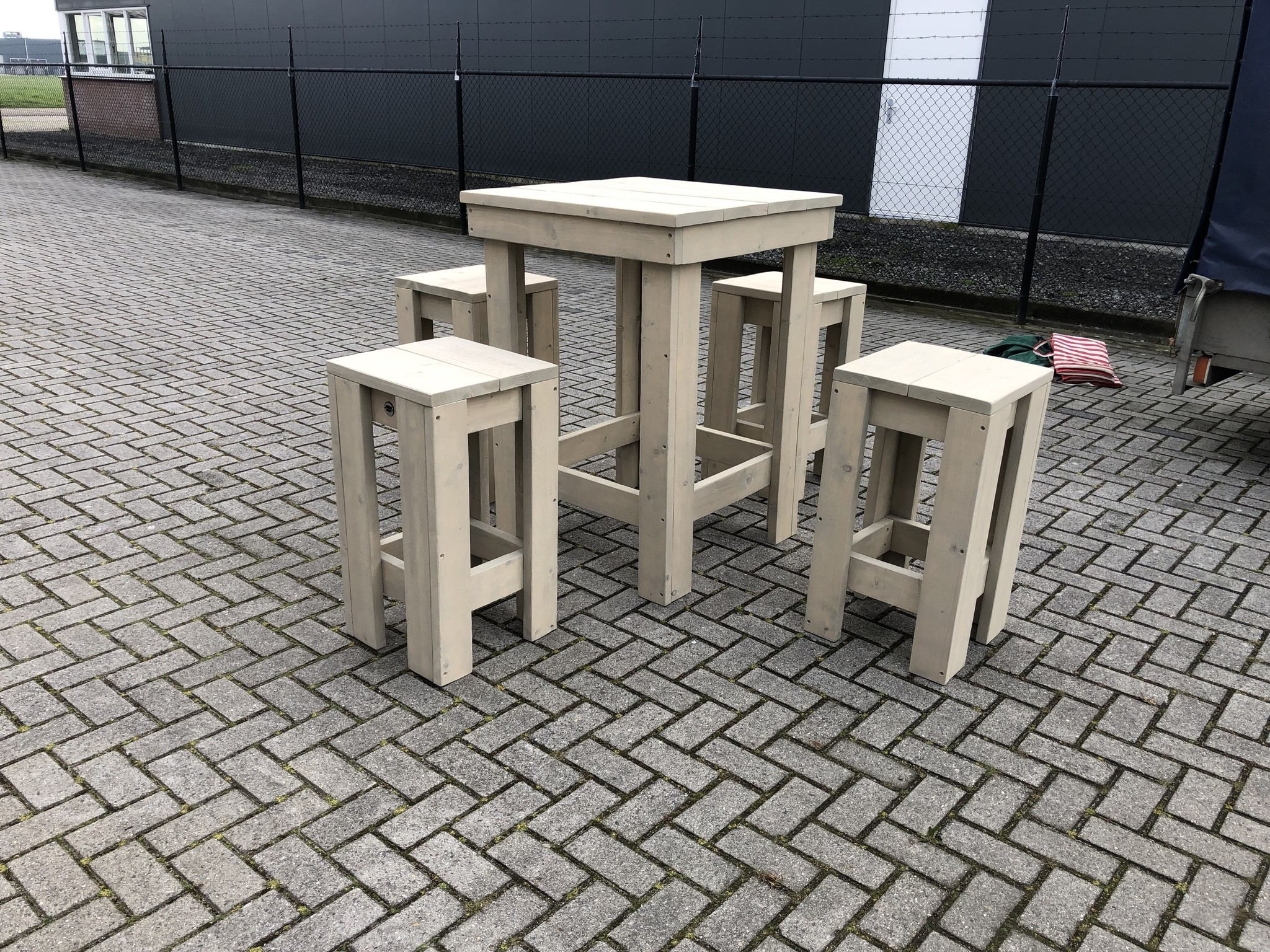 Lode Bartafel Set (Tafel en 4 krukken)