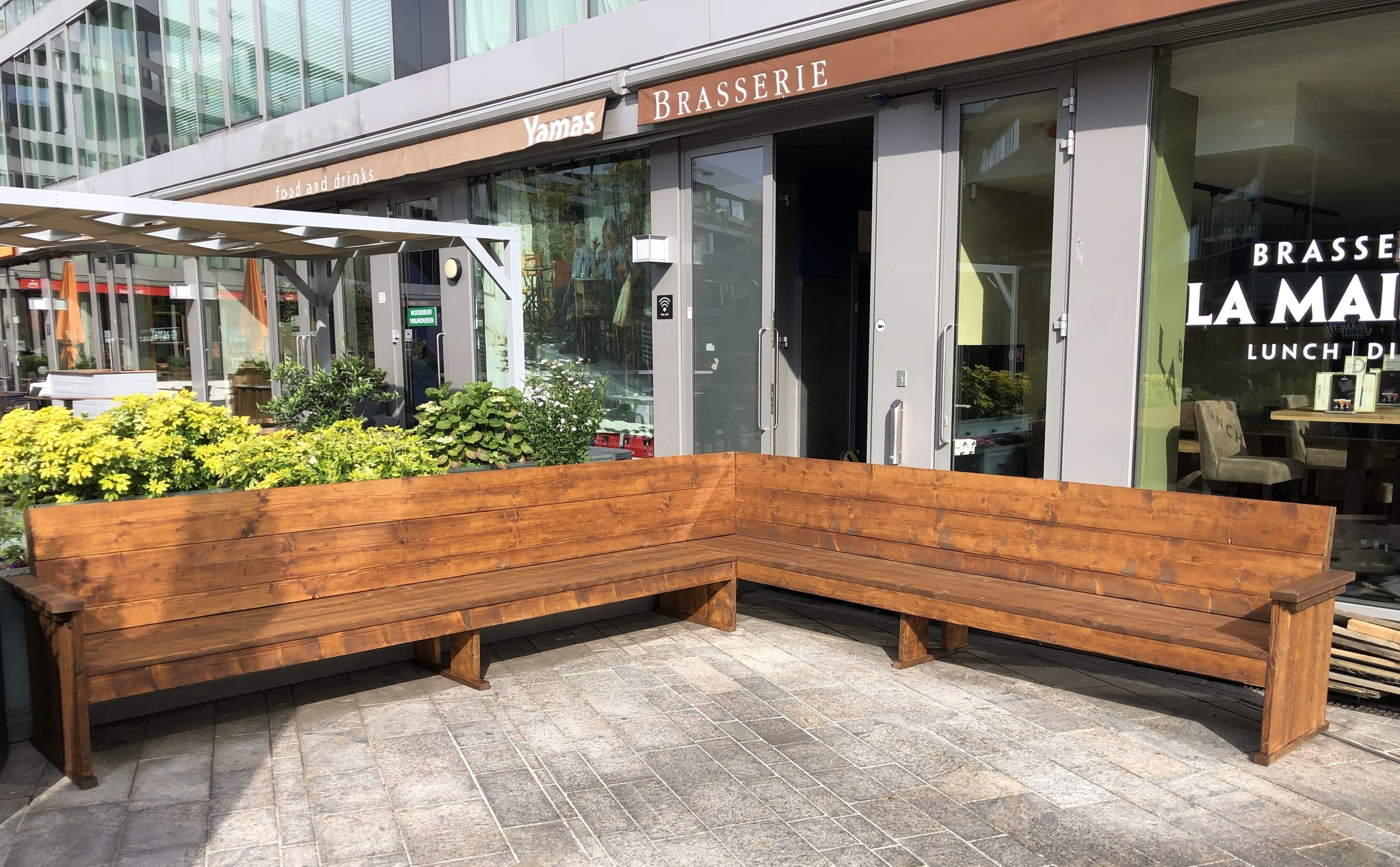 Ezra Hoekbank / Terrasbank van steigerhout  op maat