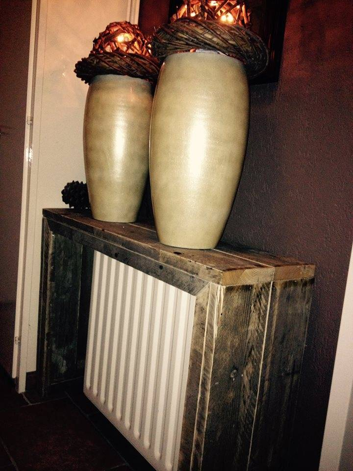 Sidetable van oud steiger hout