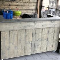 Alwoodly  Verrijdbare Toog /  Tapkast / Bar van steigerhout  met LED verlichting