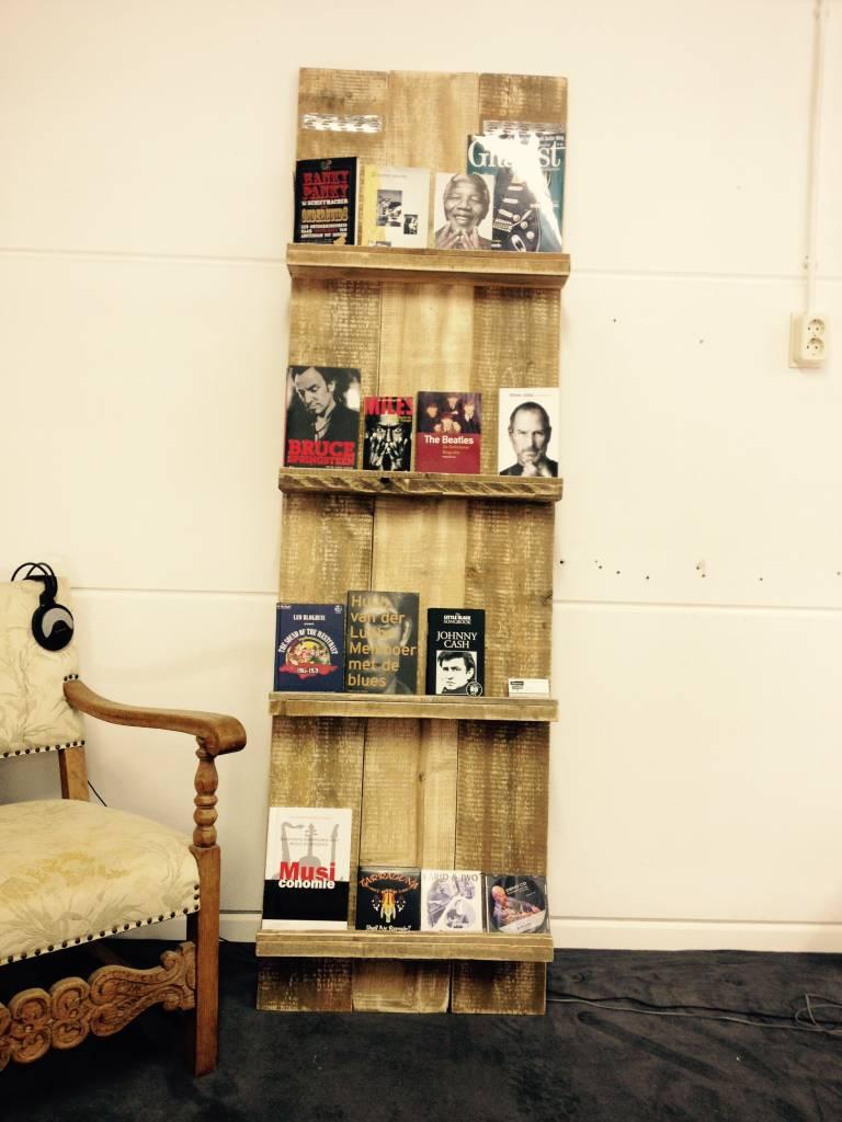 Lectuurrek van oud steigerhout