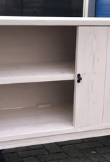 verrijdbare kast met deurtjes