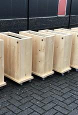 Don Plantenbak / Bloembak van steigerhout op wieltjes. Model: Don
