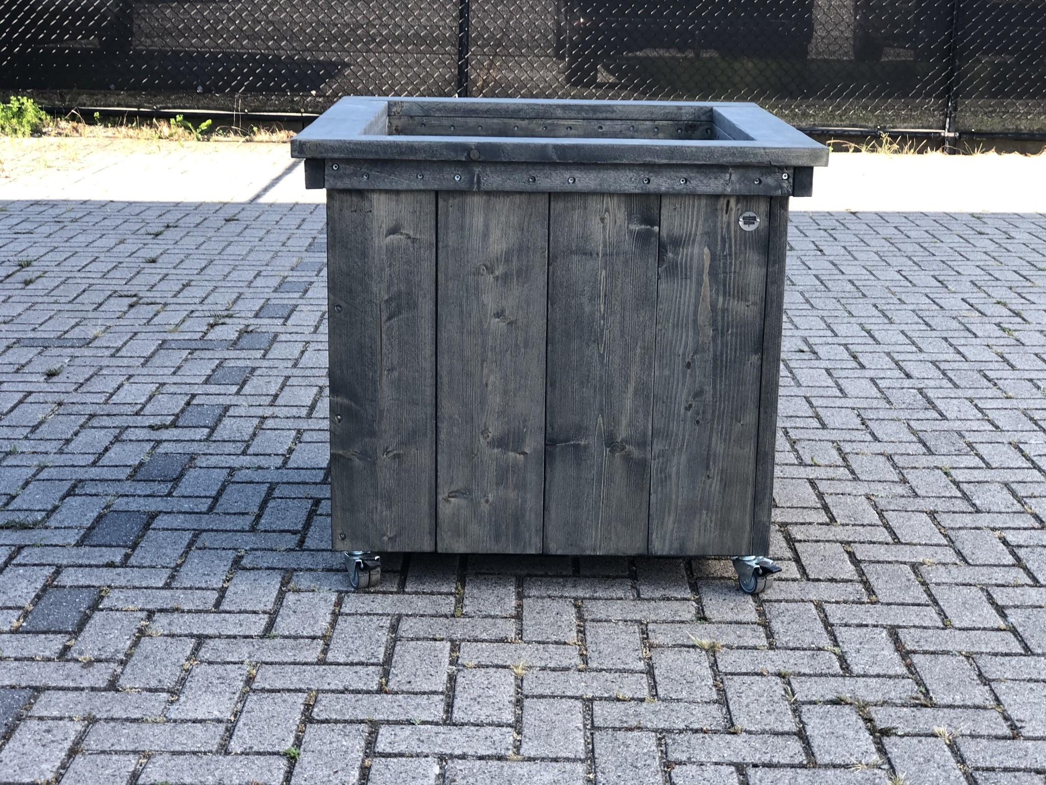 Deventer Plantenbak / Bloembak van steigerhout op wieltjes
