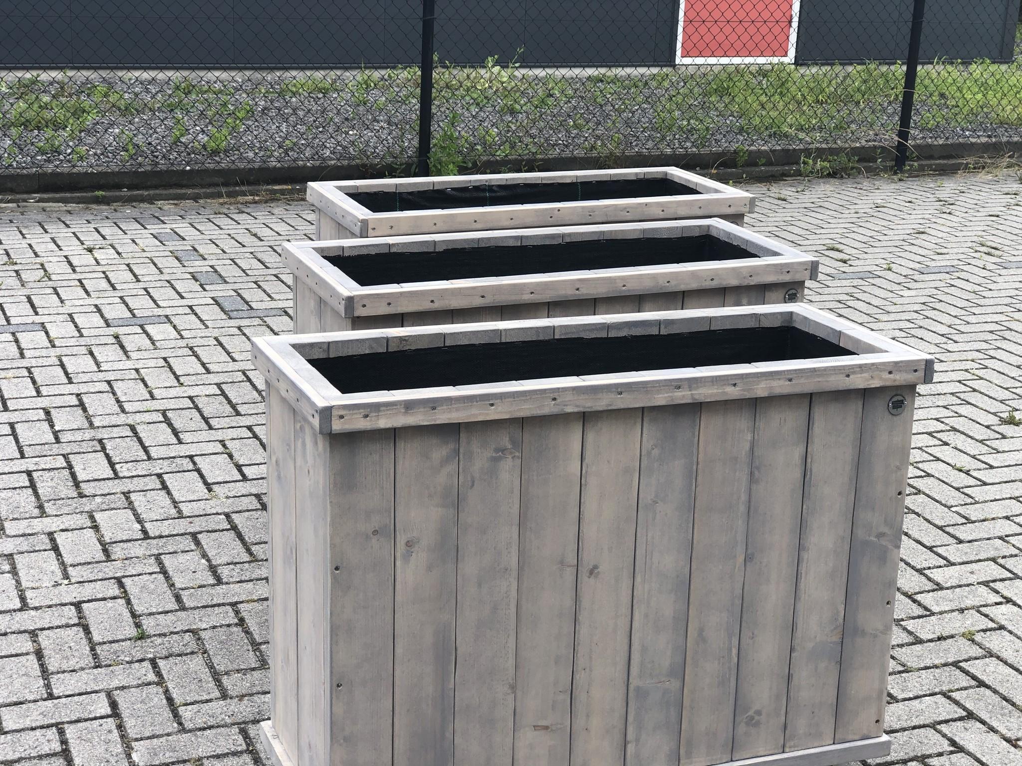Andre Plantenbak / Bloembak van steigerhout op wielen