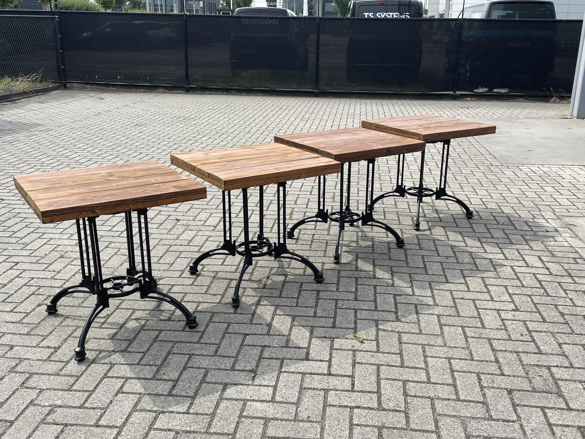 Rutger Bistrotafel / Terrastafel / Tuintafel met een steigerhout blad: Model Rutger