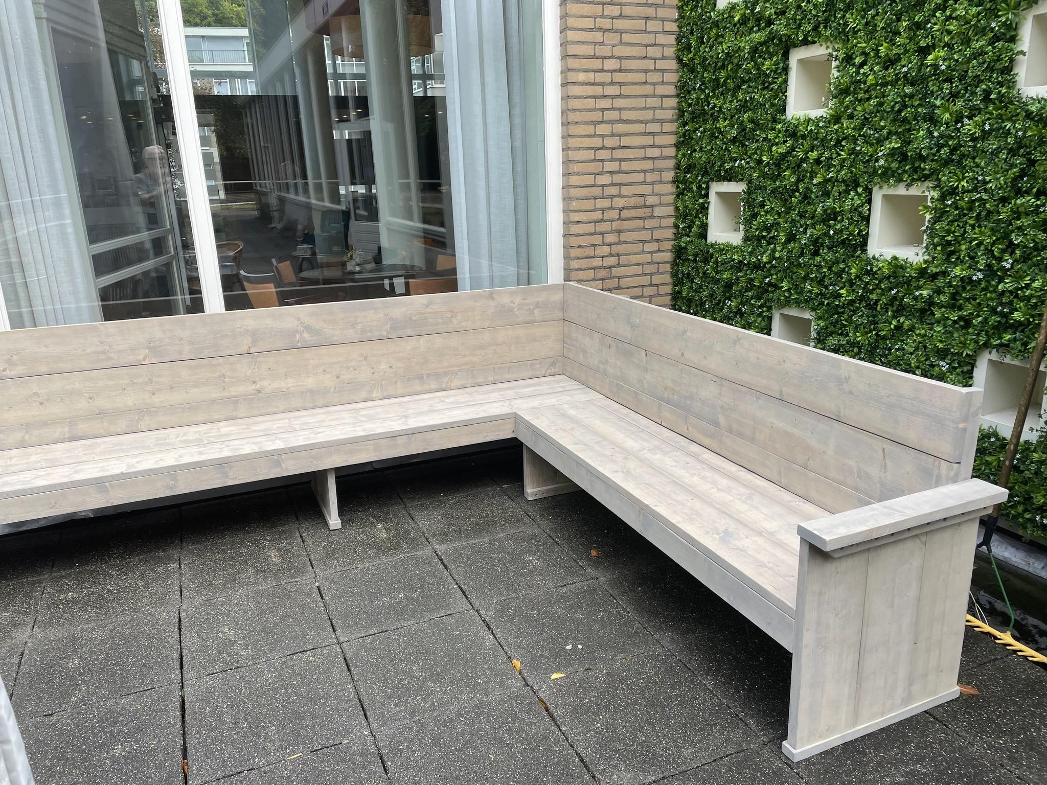 Peter Hoekbank / Terrasbank van steigerhout  op maat: Model Peter