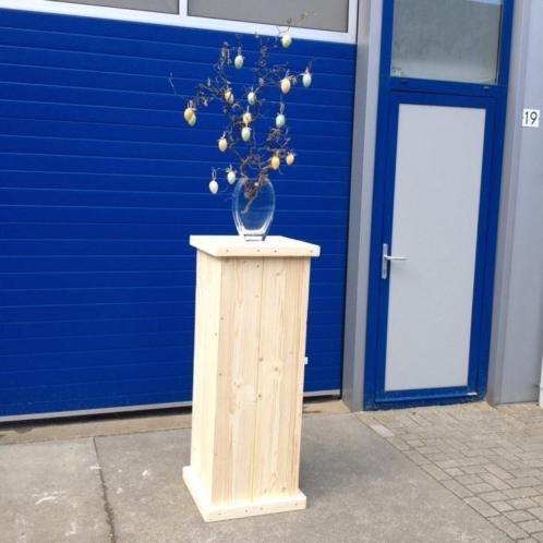 Jussi Zuil / Pilaar / Sokkel van steigerhout