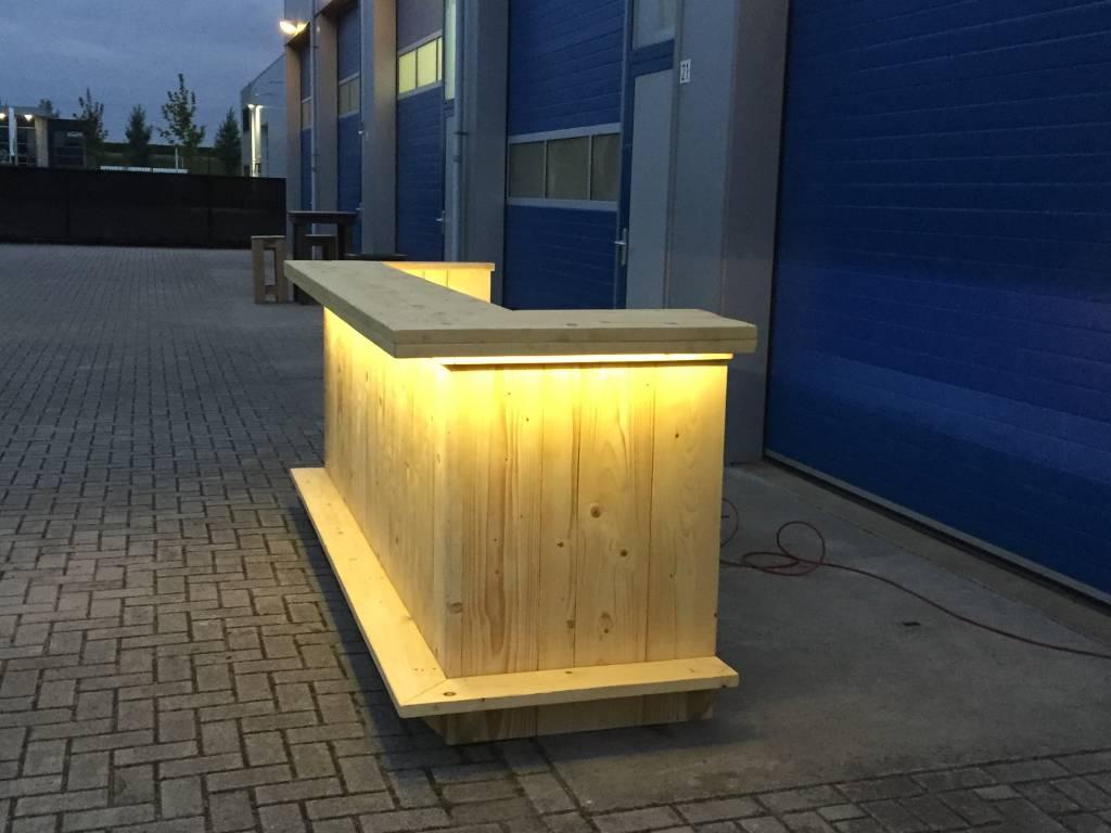 Bar / Balie van steigerhout met een waterproof LED verlichting