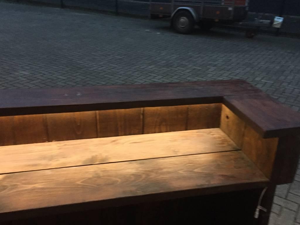 Leeds  Bar / Balie van steigerhout met LED verlichting