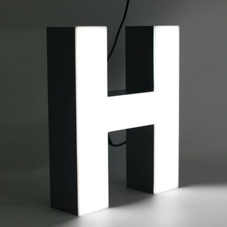 Quizzy LED Letter H