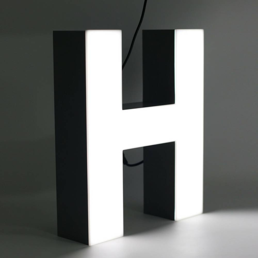 Quizzy LED Letter H-1