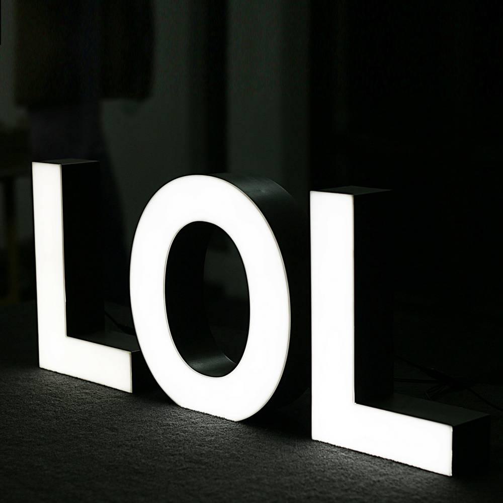 Quizzy LED Letter L-2