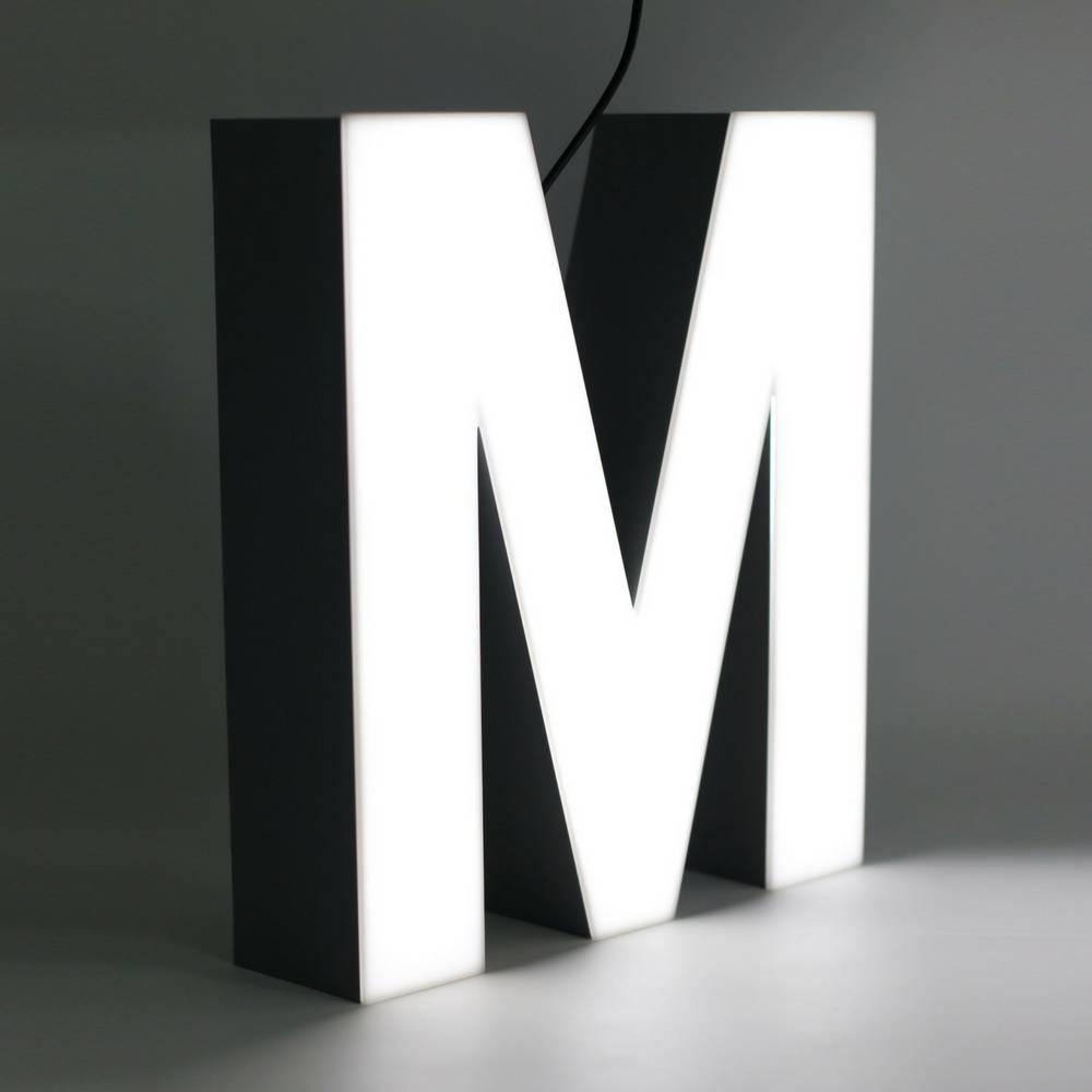 Quizzy LED Letter M-1