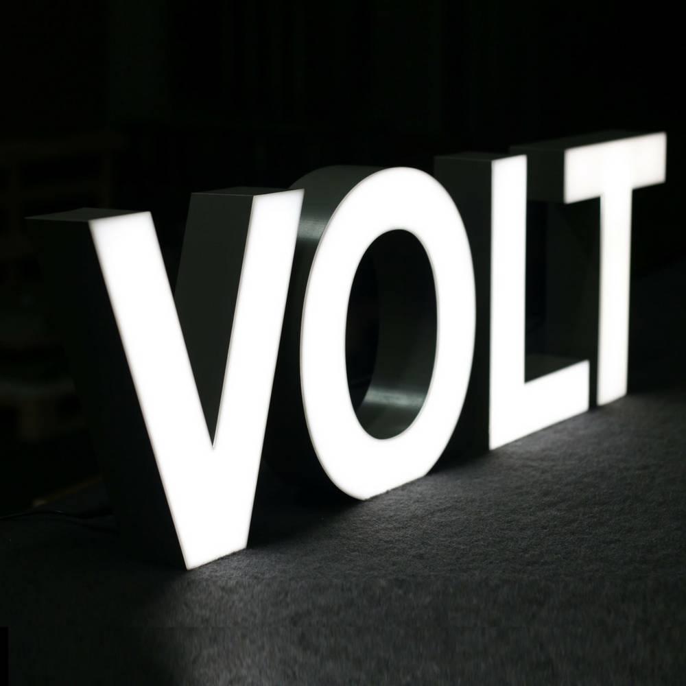 Silver Quizzy LED Letter V-2