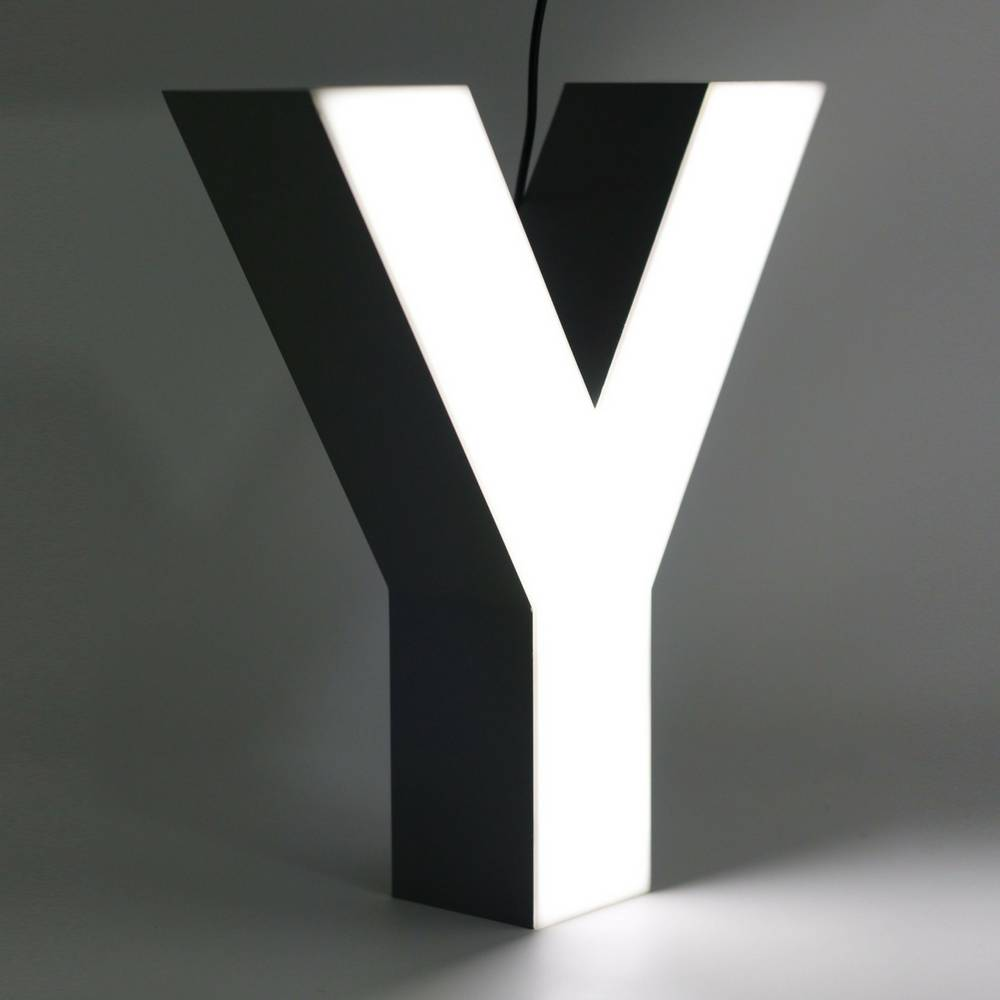 Quizzy LED Letter Y-1