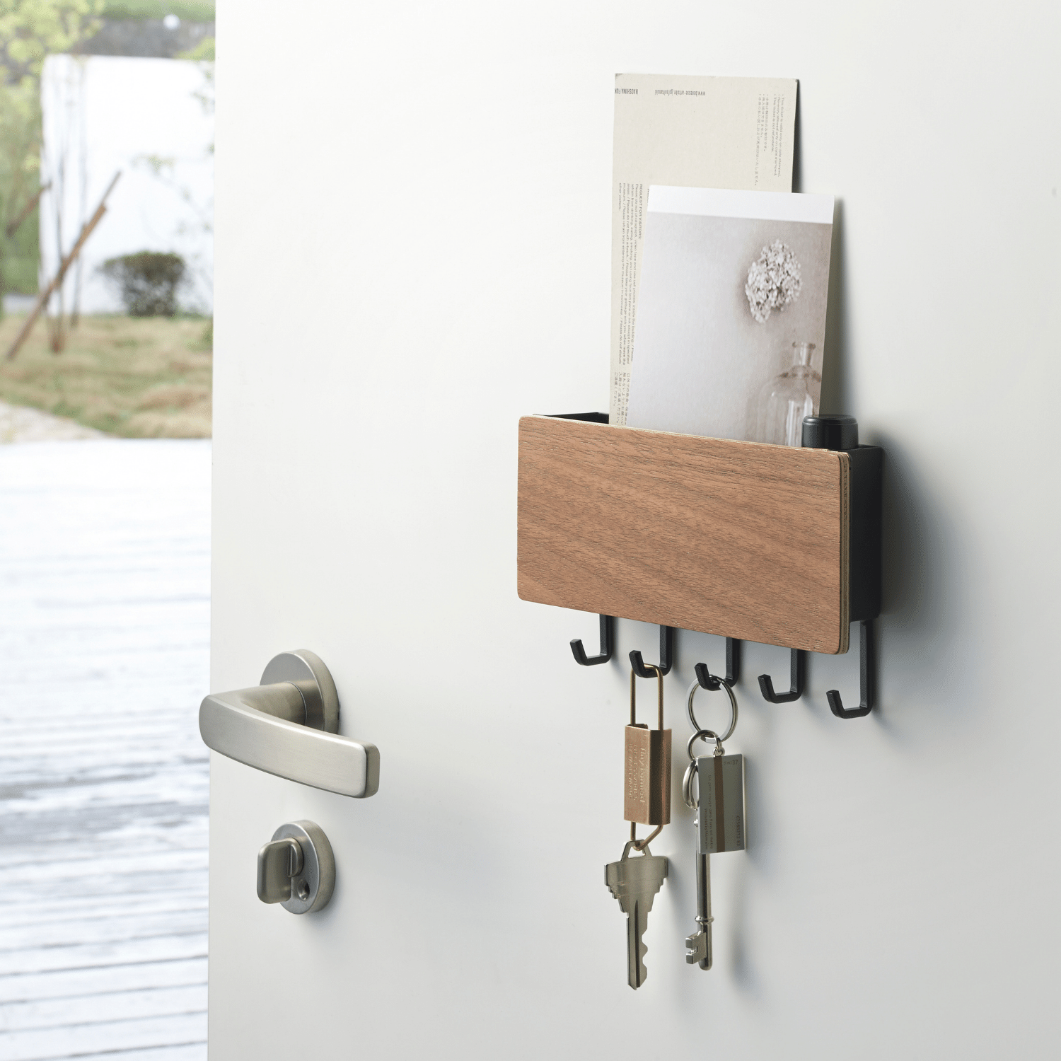 Magnetic Key Hook with Tray-2