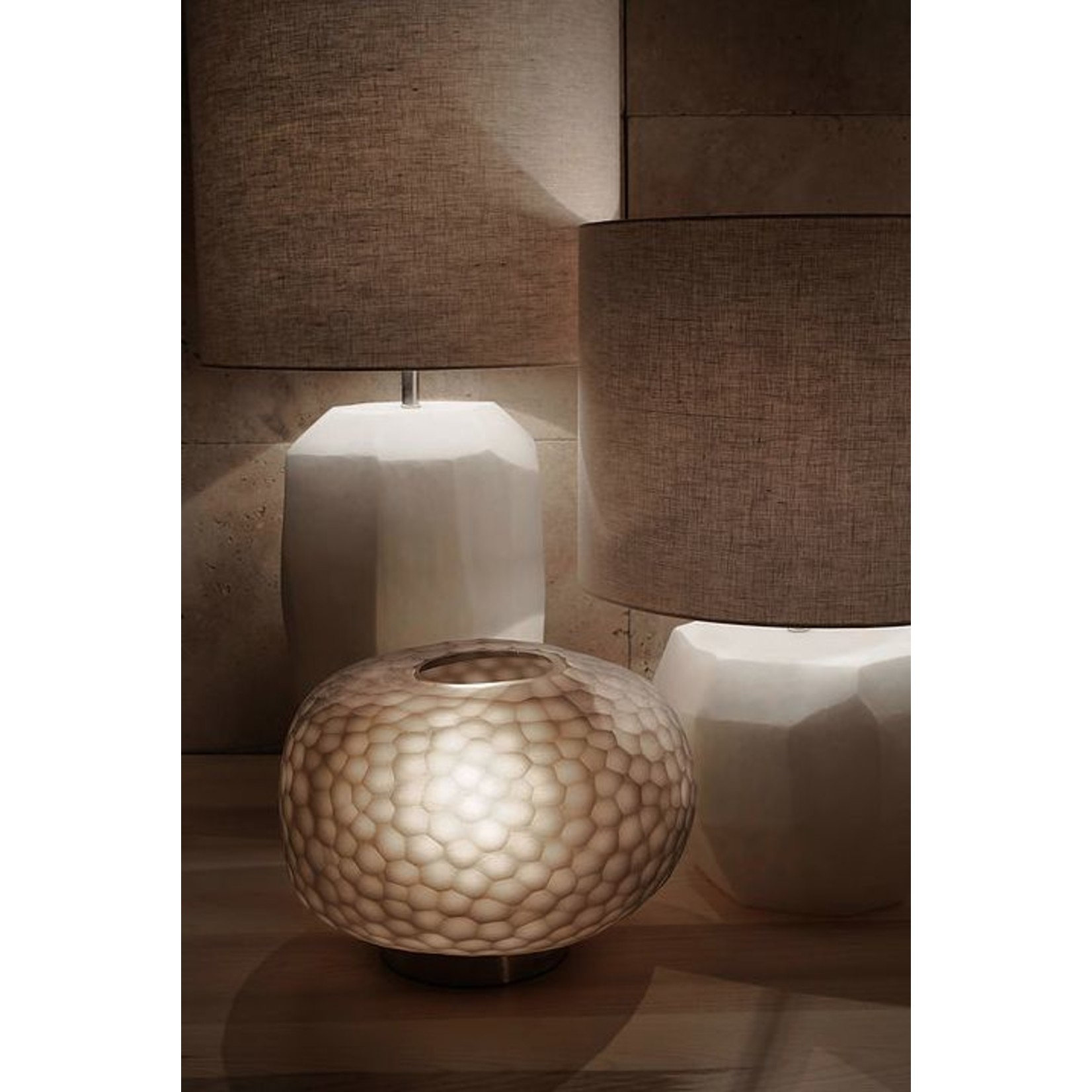 Guaxs Table lamp Cubistic Round   Opal