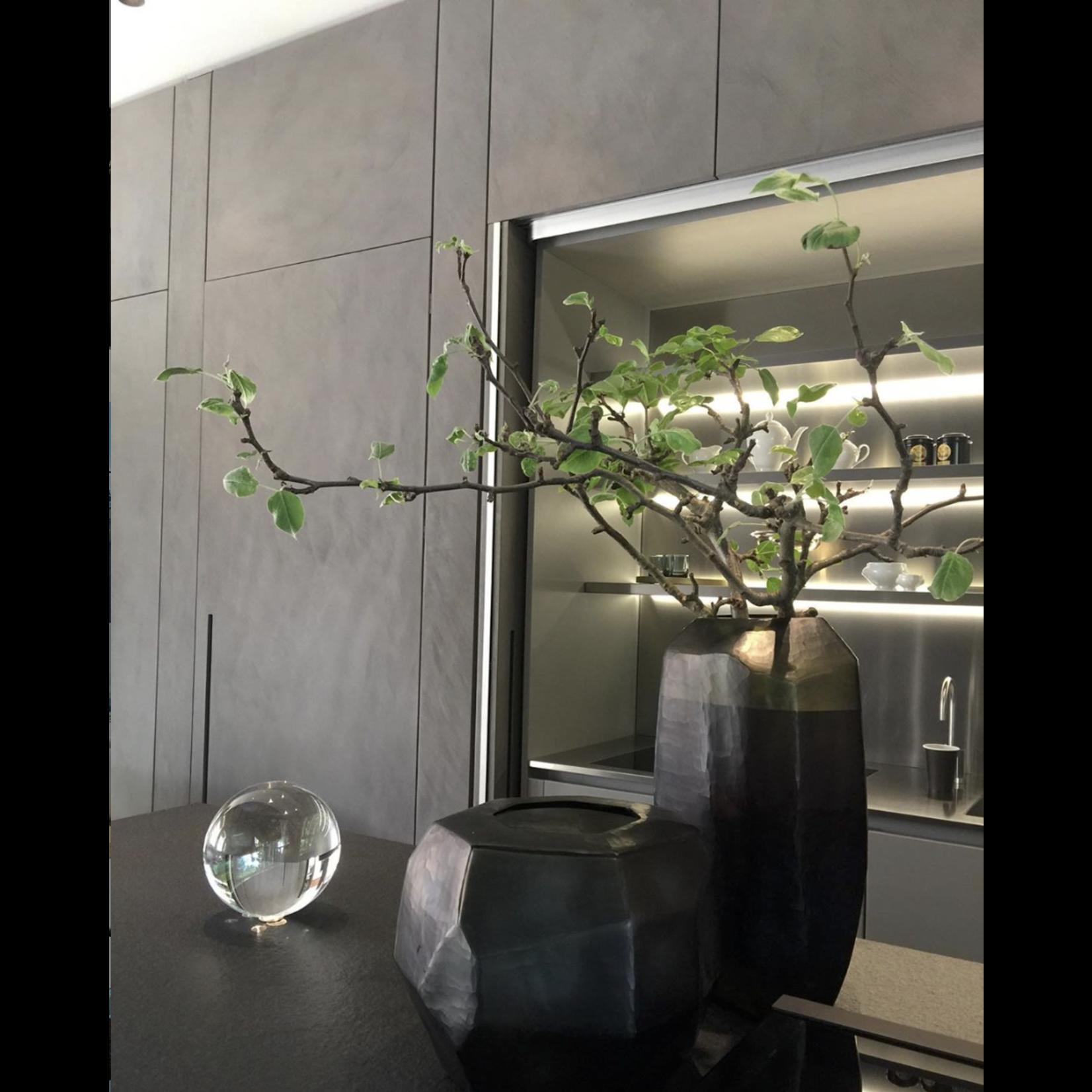 Guaxs Vase Cubistic Round   Indigo / Smoke Gray