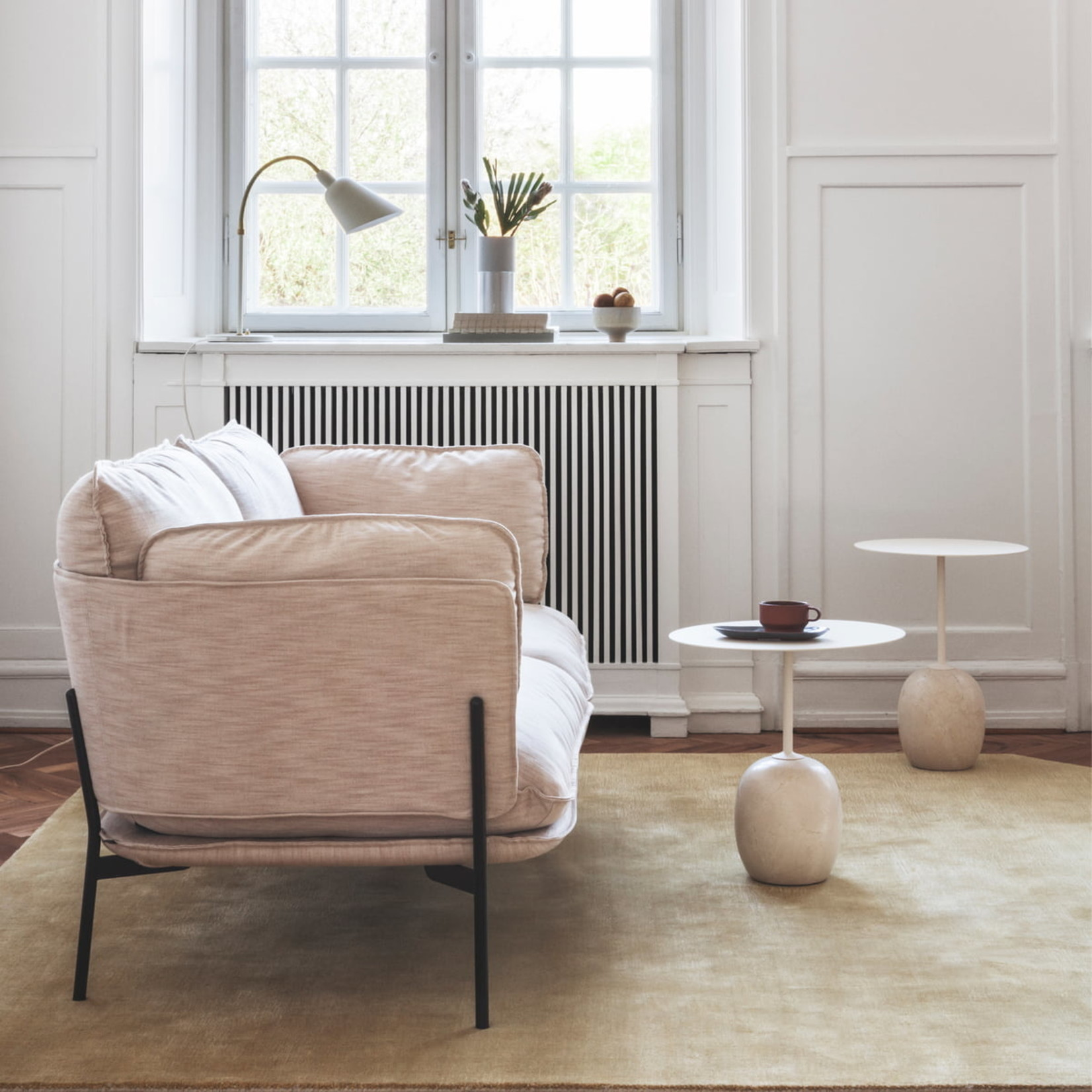 &Tradition Side table Lato LN9 | Ivory white & Crema Diva marble