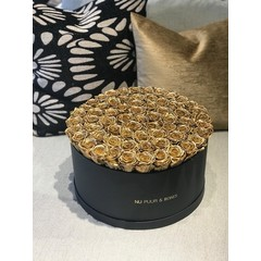 Maxi - Gold Endless Roses - Black Box