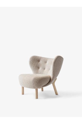 &Tradition Lounge Chair Little Petra VB1   White Oiled Oak, Karakorum