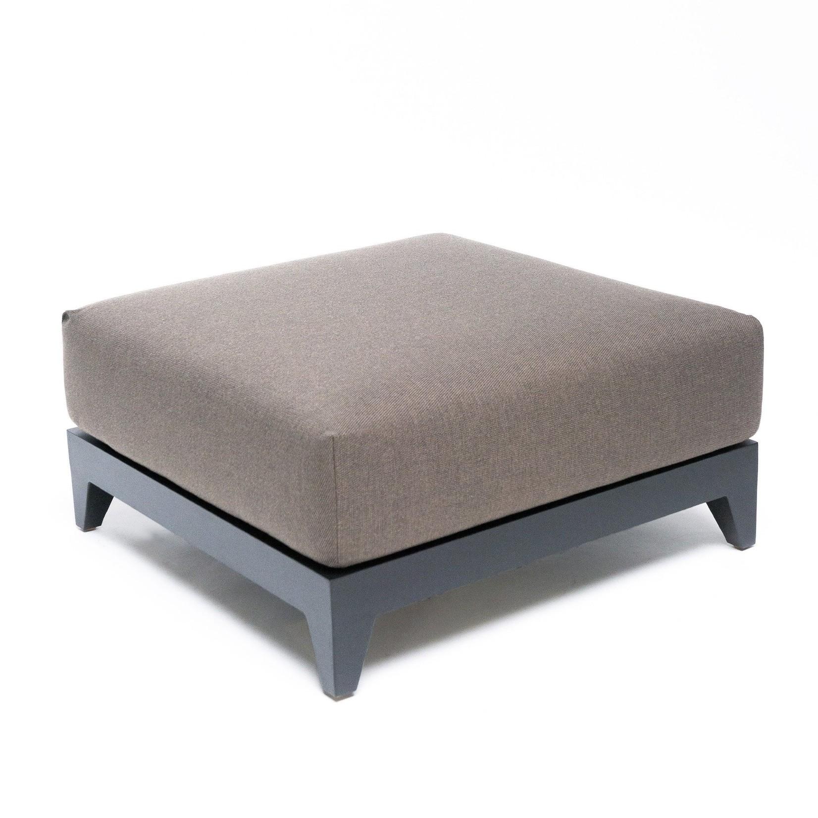 Gommaire Ottoman Mia | Aluminium noir mat + coussin