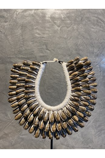 Shell necklace brown | Small