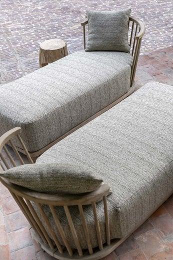 Gommaire Chaise Longue Carol   Reclaimed Teak Natural Gray + Cushion