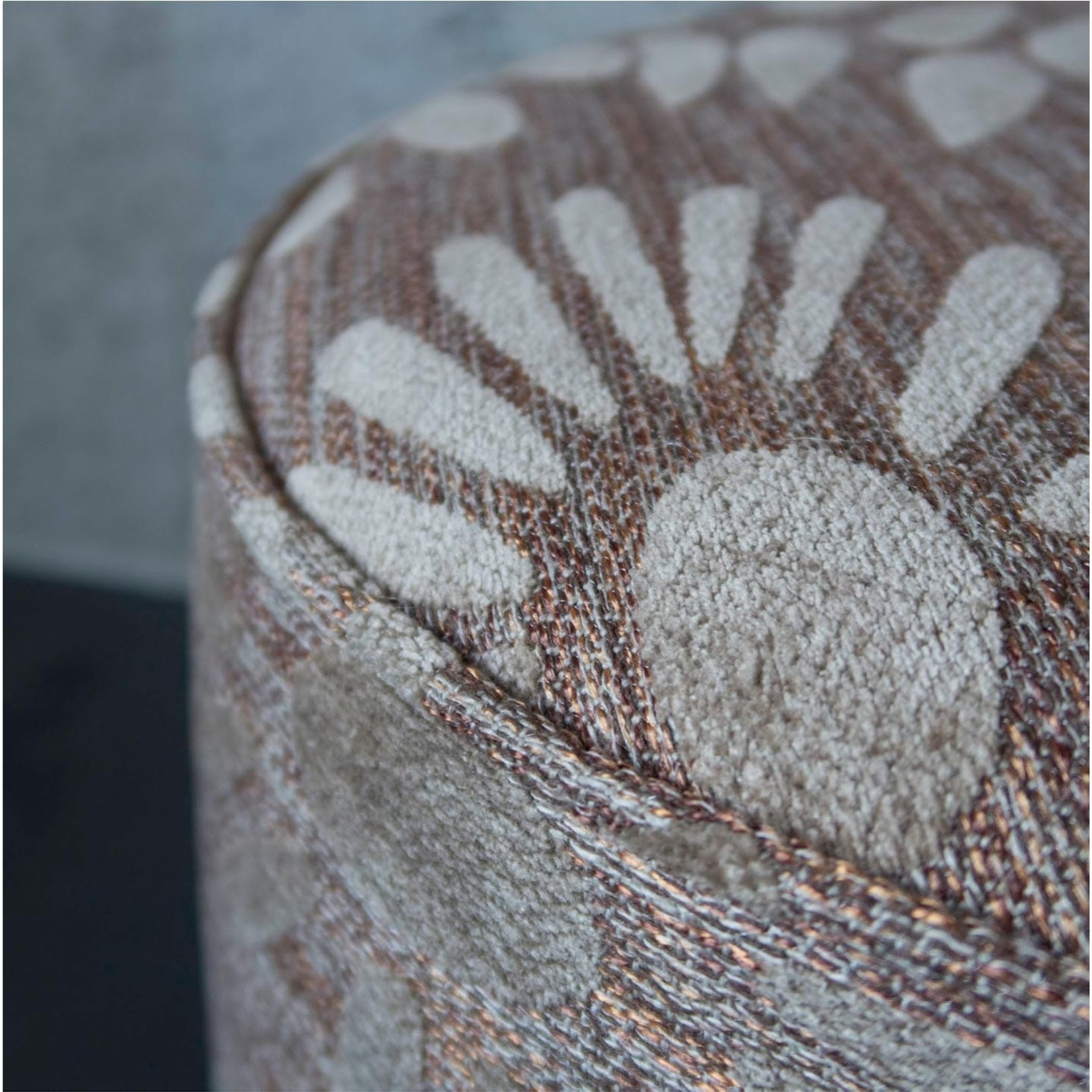 Evolution 21 Fiori Copper Ivory | Pouf Scott