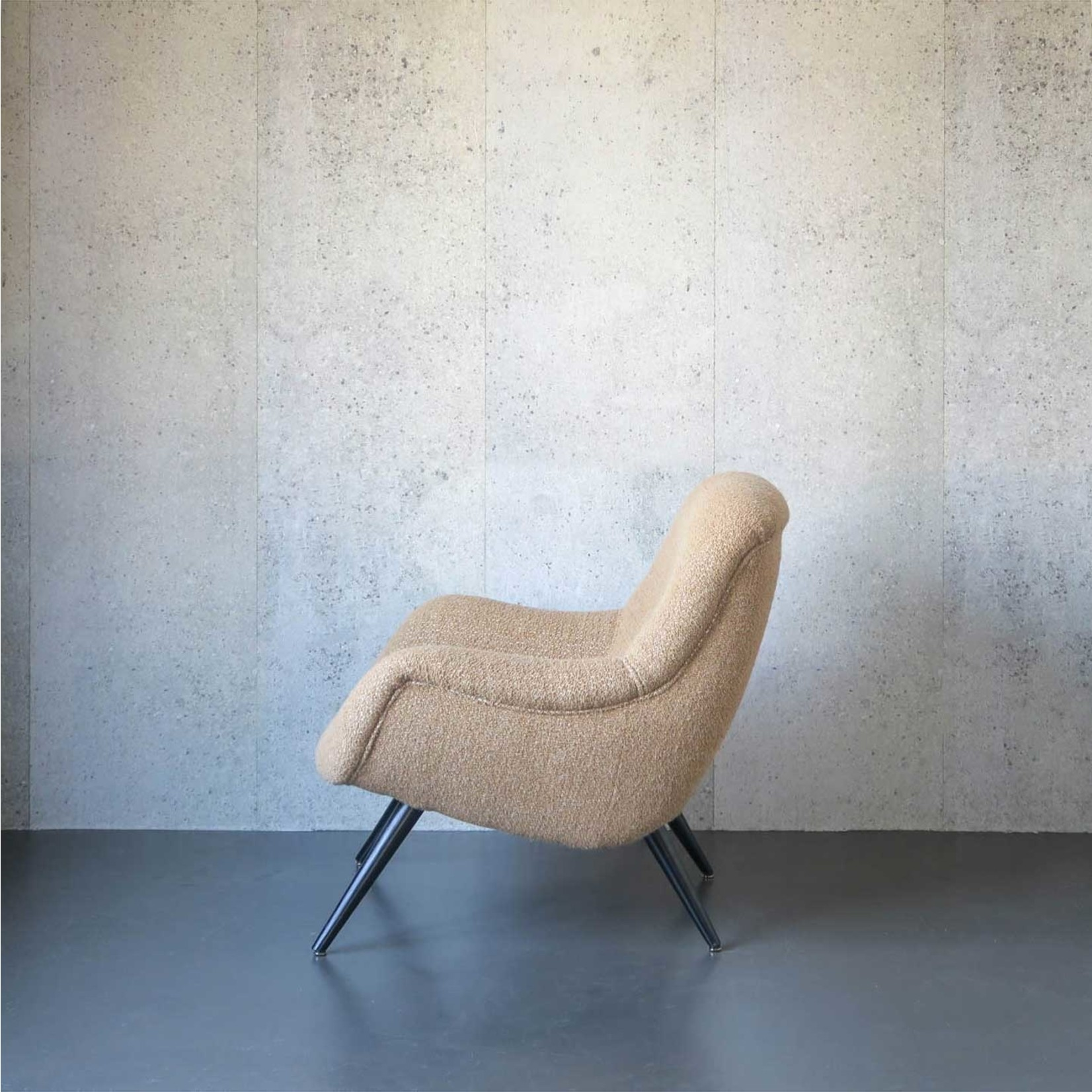 Evolution 21 Treasure Sand | Lounge Chair Flynn