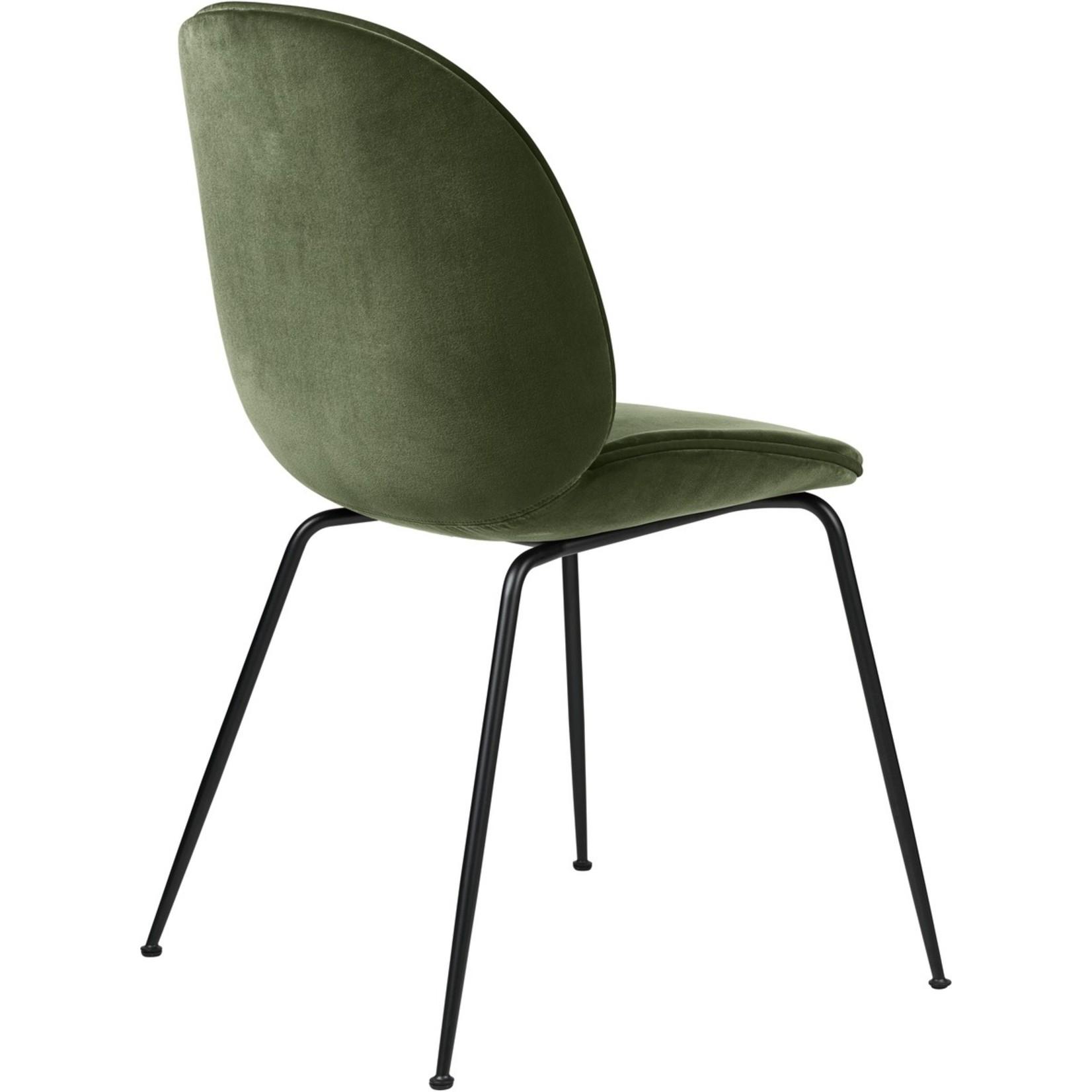 Gubi Chaise de salle à manger Beetle | Base mate vert fumé et noir
