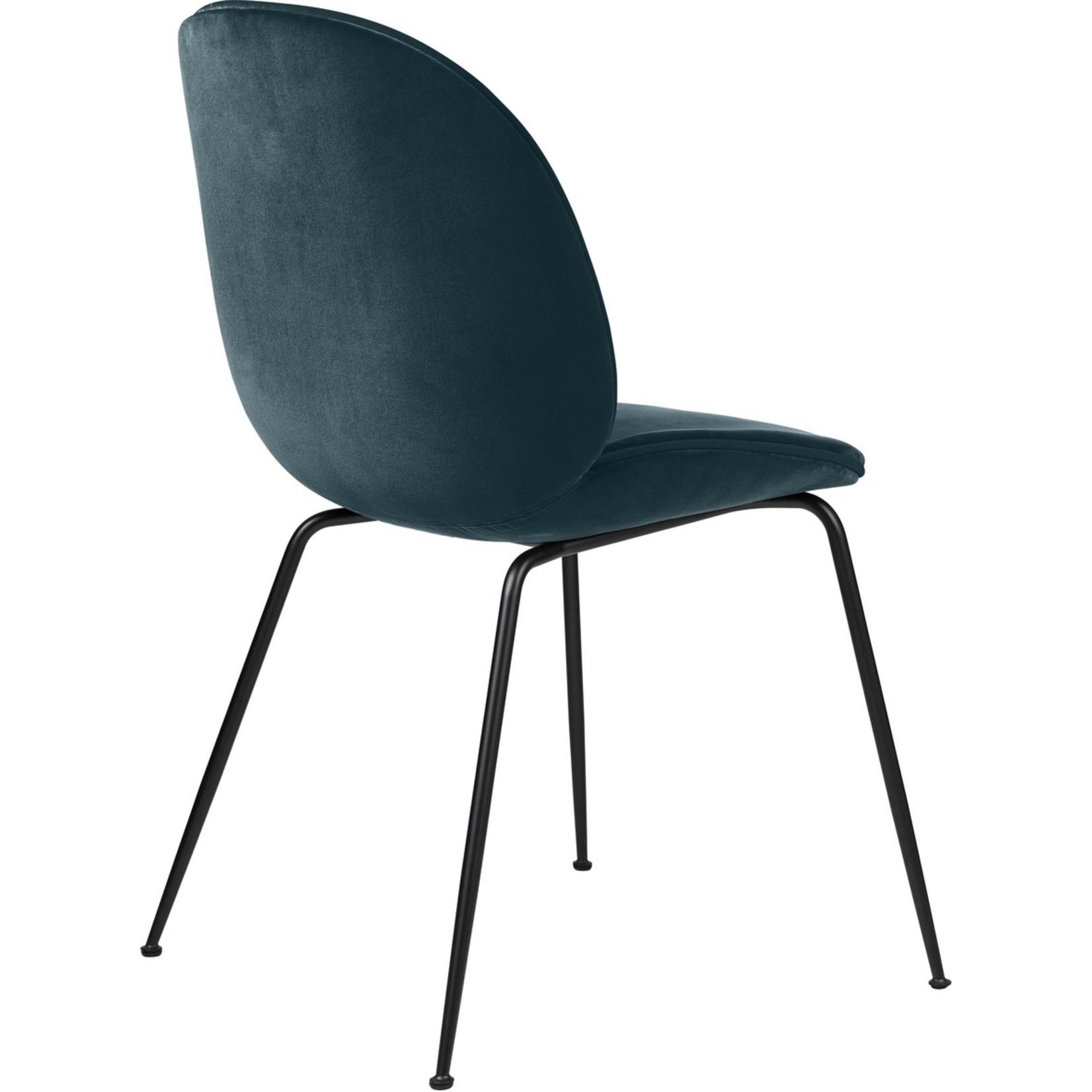 Gubi Chaise de salle à manger Beetle | Base Bleu Acier & Noir Mat