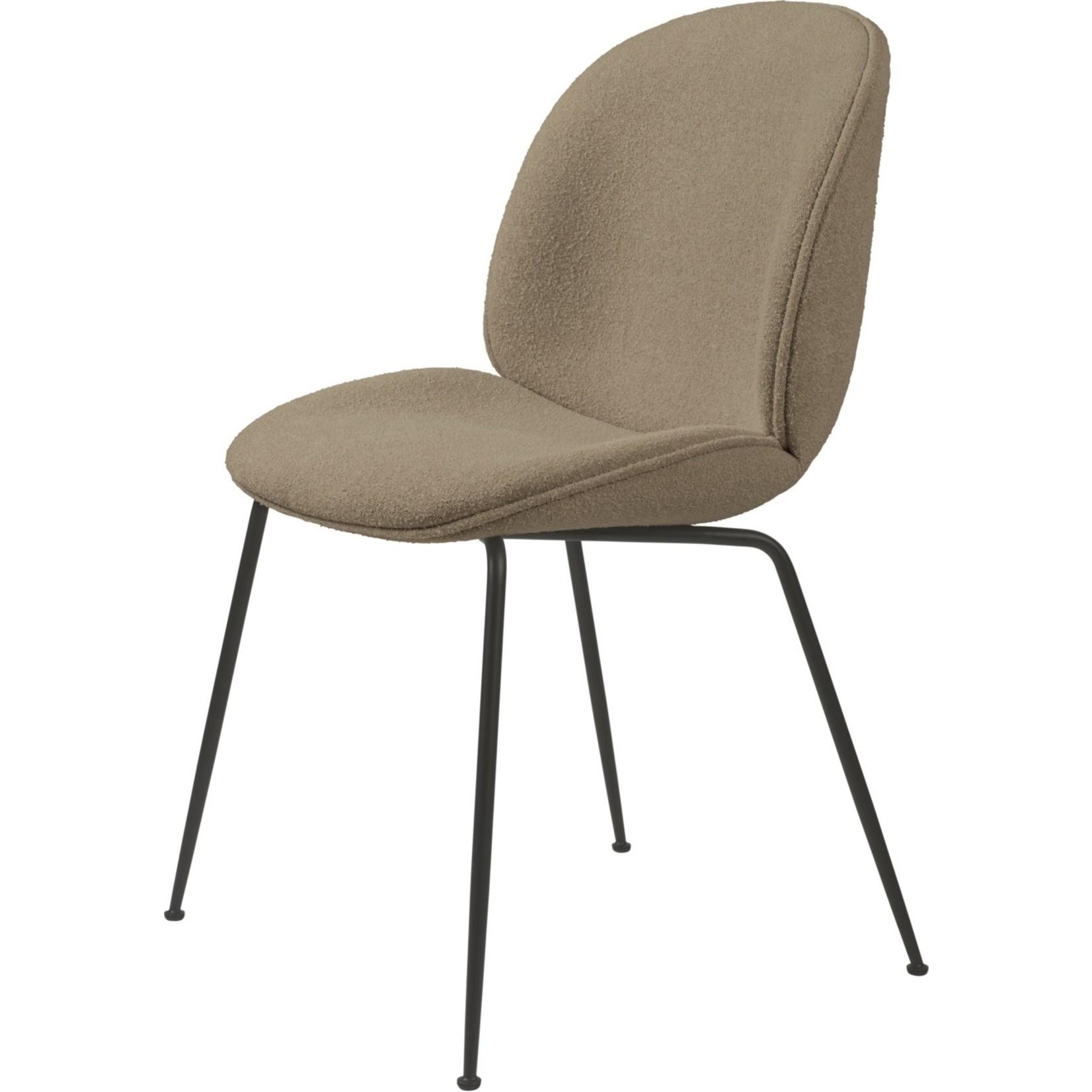 Gubi Chaise de salle à manger Beetle | Light Boucle 003 & Base Noir Mat