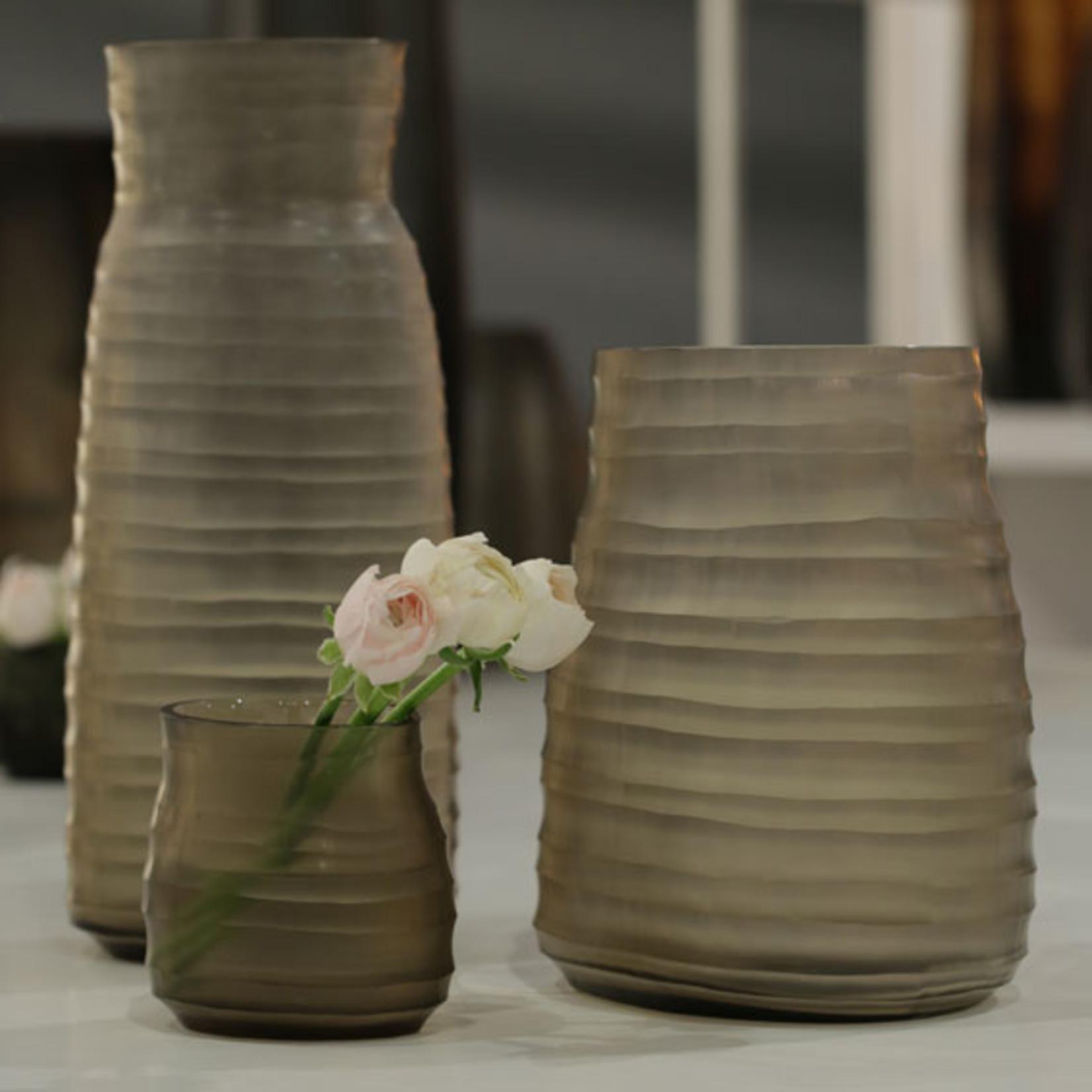 Guaxs Vase Mathura M   smoke grey