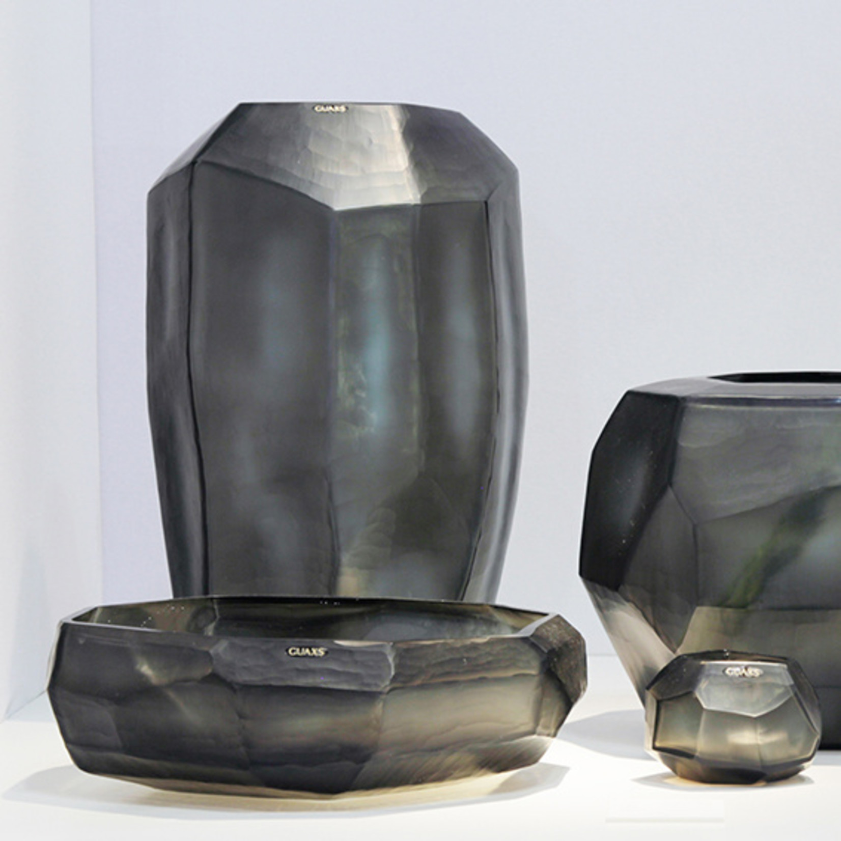 Guaxs Vase Cubistic Tall | Indigo / Smoke Gray