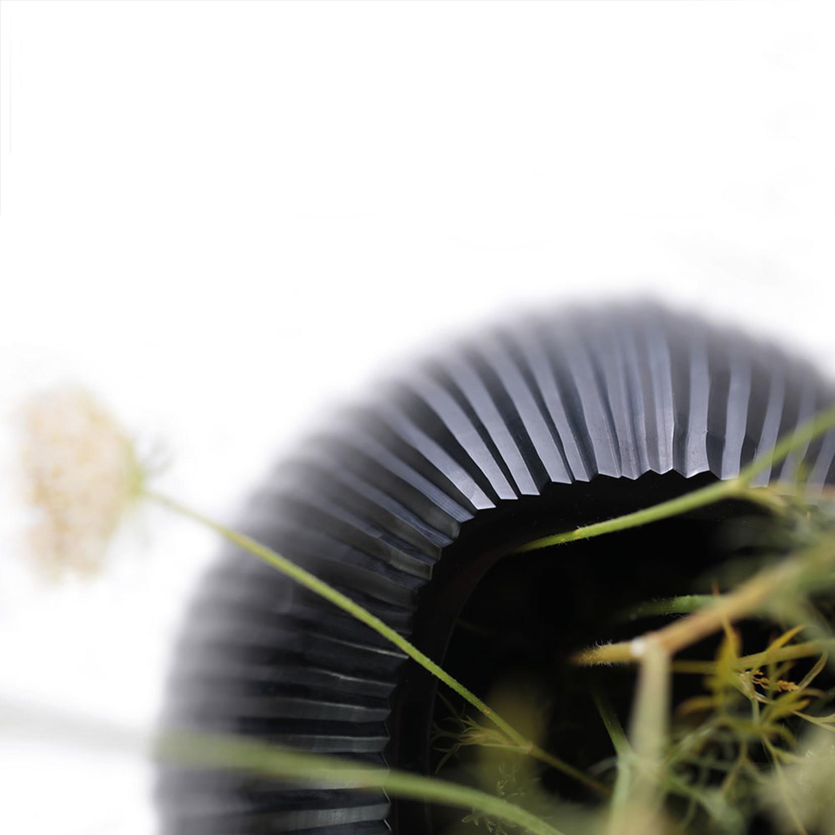 Guaxs Vase Nagaa M | Black