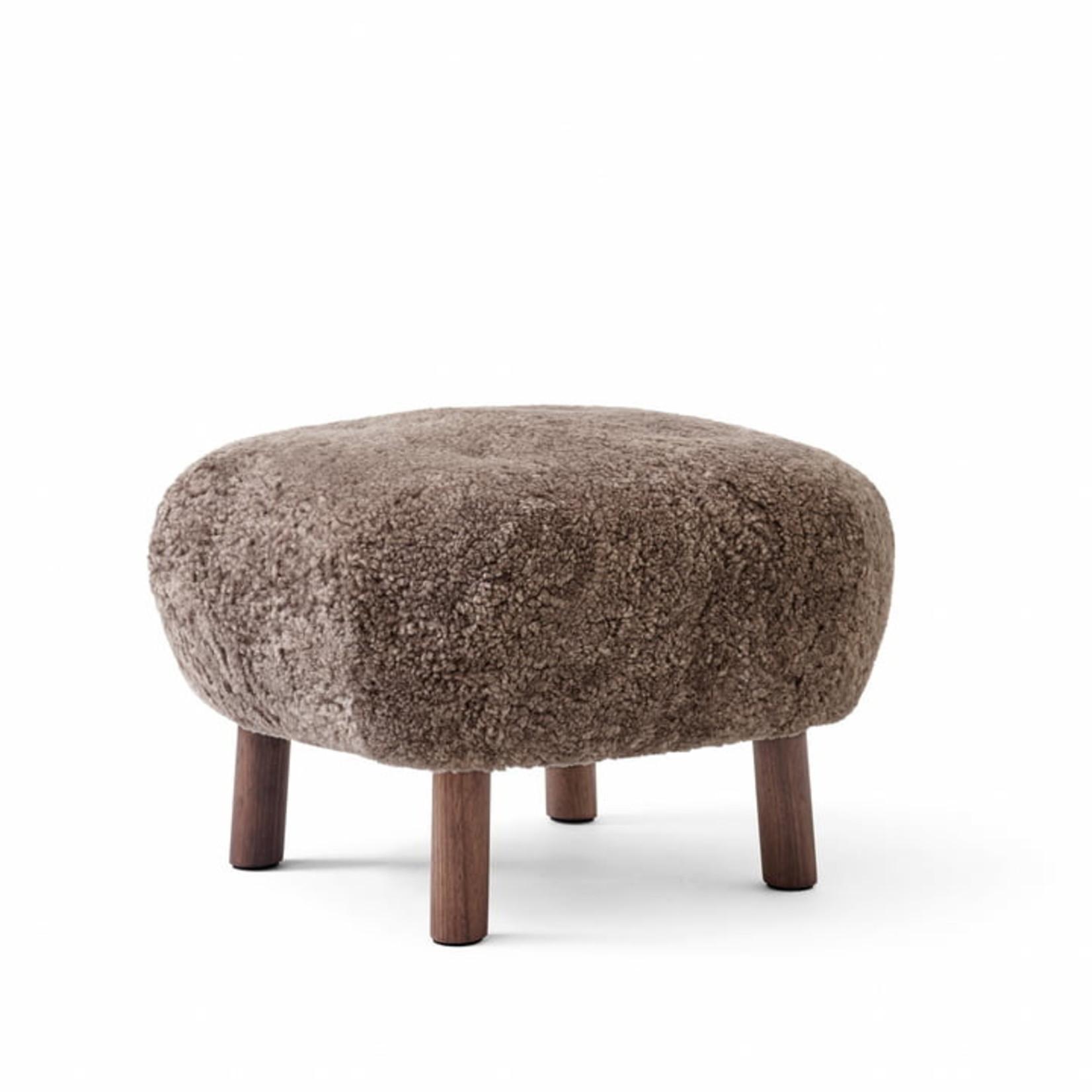 &Tradition Pouf ATD1 | Oiled Walnut w. Sheepskin Sahara